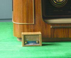 Miniaskartelua Radio Shop, Mini Tv, Miniatures, Diy, Music, Toys, Creativity, Dioramas, Hobbies