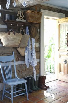 A Place in the Country Country Blue, Country Farmhouse, Country Living, Country Interior, Country Decor, Country Charm, Cozy Cottage, Cottage Style, Farm Cottage
