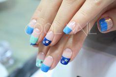 #coolnail #bluenail #gelnail #summernail #starnail #frenchnail 세가지 블루컬러에 별모양의 포인트를 올린 쿨네일만의 썸머네일~