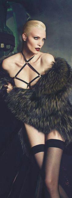 Nadja Auermann-Vogue