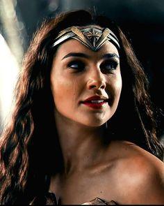 Wonder Woman Art, Gal Gadot Wonder Woman, Wonder Woman Movie, Wonder Women, Chris Pine, Mei Naruto, Tokyo Ghoul Cosplay, Linda Carter, Dc Icons
