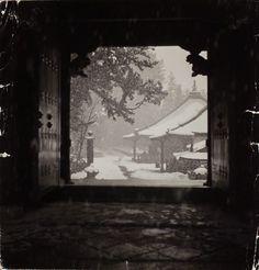 adanvc:  varietas:  Haár Ferenc: Nikko, Japan, 1941    Thanks to varietas