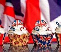 Inspiring picture british, cupcakes, cute, dessert, food, kawaii, vanilla. Resolution: 500x269. Find the picture to your taste!