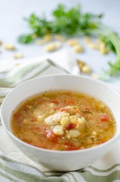 This Mexican fava Bean soup or Sopa de Habas is another classic Lenten dish. The fava beans are cooked until tender then simmered with onion, jalapeño, tomato and cilantro. Mexican Beans Recipe, Mexican Soup Recipes, Bean Soup Recipes, Garbanzo Bean Recipes, Broad Bean Recipes, Real Food Recipes, Cooking Recipes, Vegan Recipes, Vegane Rezepte