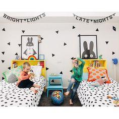 Dětský pokojíček se zajíčky // kids shared bedroom with bunnies