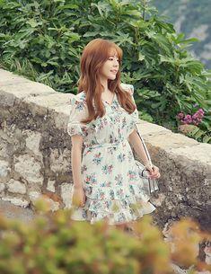 Sunny Snsd, Girls' Generation Tts, First Girl, Sunny Days, Amazing Women, Sunnies, Girl Group, Cool Girl, Short Sleeve Dresses