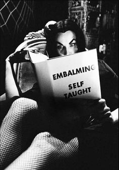 That's right, this month Horror host Maila 'Vampira' Nurmi, is my icon of the month.