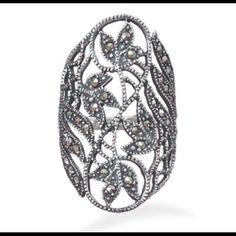 Super Gorgeous Cut Out Leaf Design Ring.