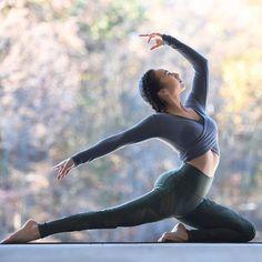 Yoga poses offer numerous benefits to anyone who performs them. There are basic yoga poses and more advanced yoga poses. Here are four advanced yoga poses to get you moving. Ashtanga Yoga, Bikram Yoga, Vinyasa Yoga, Yoga Fitness, Physical Fitness, Dance Fitness, Fitness Goals, Fitness Tips, Health Fitness