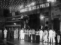 O Teatro Rival Petrobras apresenta um show do grupo Arruda, que promoverá um pré-carnaval com participação de integrantes do bloco Cordão da Bola Preta, no dia 27 de fevereiro, com entrada a R$ 50.