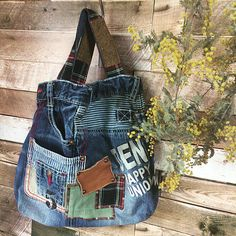 Jean Purses, Diy Bags Purses, Denim Purse, Tote Bags Handmade, Denim Crafts, Leather Purses, Leather Wallets, Leather Bags, Craft Bags