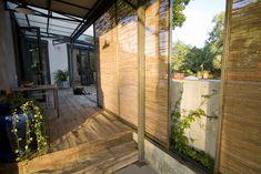 Estilo rústico Exterior, Interior Design, Room, Outdoor, Furniture, Home Decor, Rustic Style, Courtyards, Reclaimed Doors