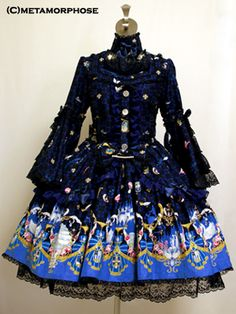 Brilliant Princess flared sleeve op, Metamorphose temos de fille.  $474  Would definitely wear this to a party~