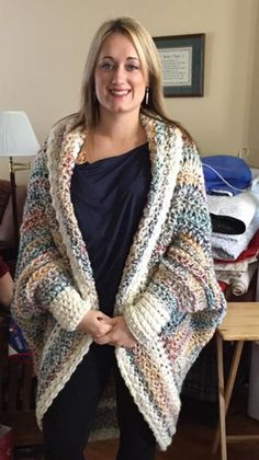 Oversized Shrug I made as gift from this amazing pattern! Oversized Shrug I made as gift from this amazing pattern! Diy Crochet Cardigan, Cardigans Crochet, Crochet Shrug Pattern Free, Crochet Cardigan Pattern, Crochet Jacket, Sweater Knitting Patterns, Crochet Shawl, Crochet Clothes, Crochet Flower Patterns