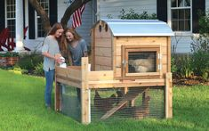 The Amazing Backyard Coop The Round-Top Backyard Cooplets you add to the standardcoop (shown in main photo) now, or at anytime in thefuture. Its looks are undeniably great, its functionality gu…
