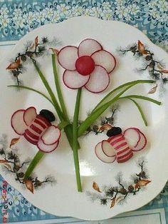 Fruit Art arşivleri - Page 10 of 364 - Food Carving Ideas Edible Food, Edible Art, Food Design, Deco Fruit, Veggie Art, Food Art For Kids, Creative Food Art, Food Carving, Vegetable Carving