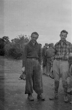 Jacques Lemare y Henri Cartier-Bresson filmando en Quinto, octubre 1937 Vietnam, The Twenties, Wwii, Che Guevara, Spanish, History, War, Social Stories, Soldiers