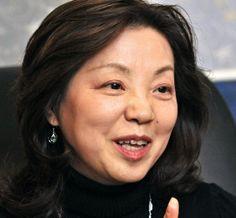 The great Keiko Takemiya becomes 1st mangaka President of Kyoto Seika University (photo Asahi Shimbun)