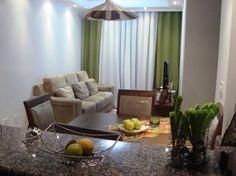 Quanto aos moveis do apartamento, não se deve de forma alguma exagerar na quantidade de móveis e acessórios da decoração para maior aproveitar os espaços