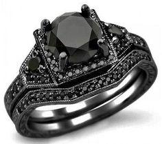 Black Engagement Ring / @albavaladez friend cuando te pregunten cual anillo comprar... También aplica para ti amiga @Ann London