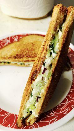 Paneer Sandwich, Eat Happy, Piece Of Bread, Iftar, A Food, Vegetarian Recipes, Sandwiches, Easy Meals, Dishes