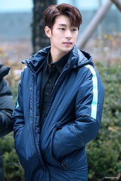Name: Park Seung Jun 박승준 Birthday: 10/28/93 Height: 6ft 2in (188 cm) Weight: 154 lbs (70kg) Blood Type: B
