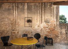 Interni Magazine | Interior design photography | Mattia Aquila Southern Europe, Balearic Islands, Mediterranean Homes, Interior Design, Indoor, Exterior, Traditional, Architecture, Inspiration