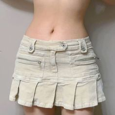 Cute Casual Outfits, Pretty Outfits, Pleated Mini Skirt, Mini Skirts, Mode Outfits, Fashion Outfits, 2000s Fashion, Alternative Outfits, Fashion Killa