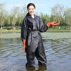Mackintosh Raincoat, Rain Fashion, Women's Fashion, Vinyl Raincoat, Hunting Pants, Country Wear, Rain Suit, Mens Gloves, Rain Wear