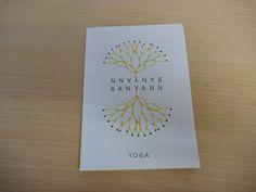 dépliant partenariat, brochure, enveloppe #yoga #meditation #banyann #bienetre Yoga, Creative, Books, Envelope, Carte De Visite, Paper, Libros, Book, Book Illustrations