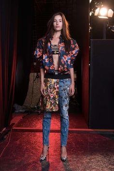 Sfilata Fausto Puglisi Firenze - Pre-collezioni Primavera Estate 2017 - Vogue