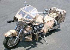 These 25 modified vehicles are ready for the apocalypse. If the zombie apocalypse begins, you'll want these 25 vehicles on your side. Zombie Vehicle, Zombie Gear, Zombie Apocalypse Weapons, Zombie Apocolypse, Boss Hoss, Cool Motorcycles, Bobber Bikes, Armored Vehicles, Armored Car