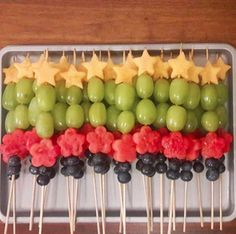 Fruit Skewers - No recipe required for these impressive-looking apps: Just fresh. - Fruit Skewers – No recipe required for these impressive-looking apps: Just fresh fruit, cookie cu - Baby Shower Fruit, Baby Shower Food For Girl, Baby Shower Watermelon, Baby Shower Cookies, Baby Shower Foods, Baby Shower Apps, Baby Shower Recipes, Watermelon Ideas, Baby Apps