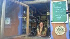 A produção de itens biodegradáveis - que não prejudicam as águas - envolveu a maior parte dos 200 integrantes da comunidade. Foi um movimento natural, já que eles já trocavam idéias sobre proteção ambiental na Escola da Natureza, cuja página no Facebook existe há 2 anos e tem mais de 9.500 curtidas.