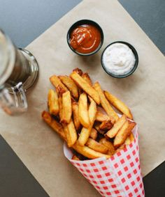 guides you to the most delicious French fries in Los Angeles. Best French Fries, French Fries Recipe, Good Food, Yummy Food, Vegan Recipes Easy, Skillet Recipes, Pizza Recipes, Potato Recipes, Food Cravings