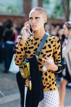Adwoa Aboah à la Fashion Week printemps-été 2018 à Milan  Crédit photo : Sandra Semburg