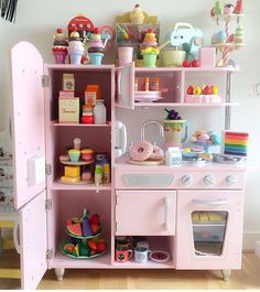 Bon ... Van Mixer And Chococcino Machine In There As Well . Can You Spot  Anything Else From Our Range What Would You Stock In This Cute KidKraft Toy  Kitchen?