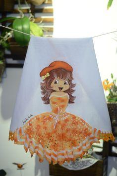 Boneca com vestido de croche