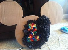 diy mickey mouse decorations would work with other things maybe for the koala party Mickey Mouse Clubhouse Birthday Party, Mickey Mouse 1st Birthday, Minnie Mouse Theme, Mickey Mouse Parties, Minnie Mouse Pinata, Disney Parties, 2 Birthday, 2nd Birthday Parties, Birthday Ideas
