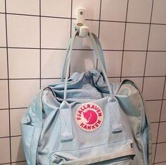 aa142b421a Mochila Kanken, Kanken Backpack, Backpack Bags, Art Hoe Aesthetic, Blue  Aesthetic,