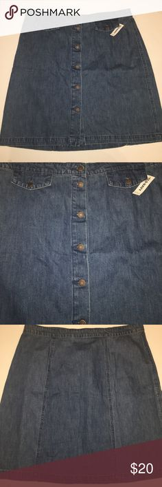 "Women's Old Navy Button front denim skirt size 18 Women's Old Navy Button front denim skirt size 18. 100% cotton. New with tags. Measurements laying flat- waist: 19"" length: 22"". Perfect for all season as you can pair it with sandals, flats or boots. Old Navy Skirts Midi"