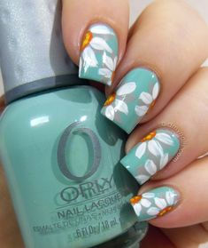 Wayback Nails Daisy Nail Art Fed onto Accent Nails Ideas Album in Hair and Beauty Category Trendy Nail Art, Cute Nail Art, Beautiful Nail Art, Cute Nails, My Nails, Beautiful Pictures, Nail Art Flower, Daisy Nail Art, Daisy Nails