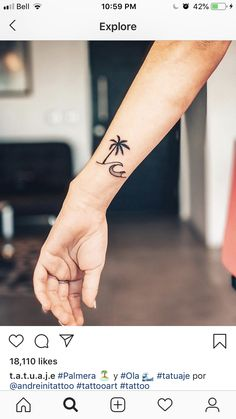 70 tattoo design ideas for girls to fall in love with tattoos - Flower Tattoo Designs - Tatouage Tropisches Tattoo, Form Tattoo, Shape Tattoo, Mini Tattoos, Trendy Tattoos, Cool Tattoos, Awesome Tattoos, Beach Tattoos, Tiny Tattoos For Girls