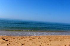 """#Huelva -#Lepe - Playa de la Antilla / 37º 12' 29.06"""" -7º 8' 40.21"""" Fotografía de Arturo Gámez. Es el núcleo turístico de Lepe por excelencia. Tuvo lugar su despegue con el boom turístico de los años 60."""