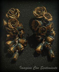 Hoy vengo a enseñaros estos pendientes realizados en arcilla polimérica, realizados para asistir a una boda. Si a ti te apetece destacar y ser única y diferente atrévete con mis creaciones!! #arcillapolimerica #polymer #clay #polymerclay #fimo #hechoamano #handmade #unico #diferente #original #pendientes #rosas #slopes #flowers #personalizado #joyeria #jewerly #bisutería #jewel