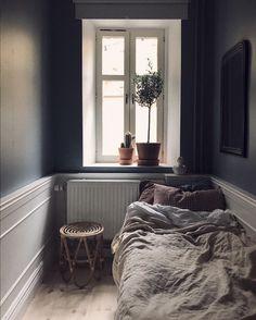 my scandinavian home: Best Of My Scandinavian Home Small Bedroom Ideas Home Scandinavian 3 Bedroom Apartment, Home Decor Bedroom, Bedroom Furniture, Cosy Apartment, Furniture Design, Grey Furniture, Bedroom Plants, Wabi Sabi, Small Rooms