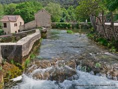 By walking through the wooden paths you can see mills which are transformed into souvenir shops.