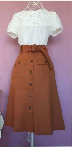 look elegante, feminino Source by elysapeth outfits skirts Mode Outfits, Skirt Outfits, Dress Skirt, Vintage Dresses, Vintage Outfits, Vintage Fashion, Vintage Skirt, Mode Chic, Mode Style