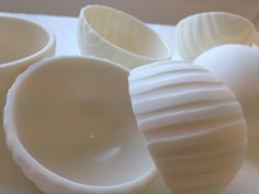 "Small ""Tiltingbowl"", porcelain."