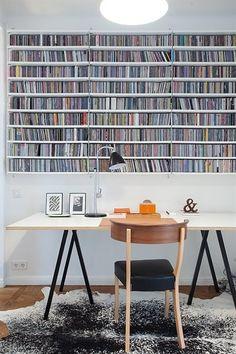Hay loop stand svart med vit skiva, plywoodkant?